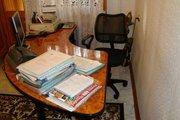Продаётся стол офисный(Руководителя) и кресло! Недорого!